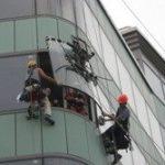 установка и замена стеклопакета промышленными альпинистами