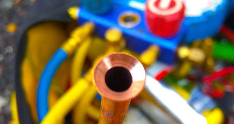 качественная вальцовка трубы фреонопровода