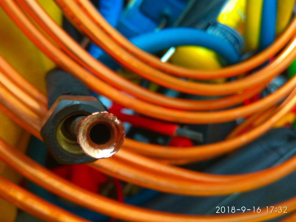 ошибки при монтаже кондиционера, пример не качественной вальцовки